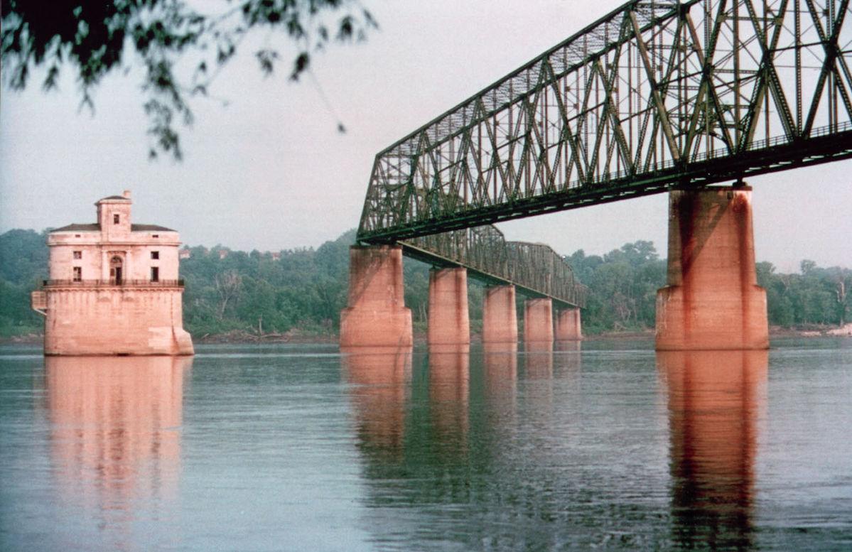 Chain of Rocks Bridge: St Louis, Missouri