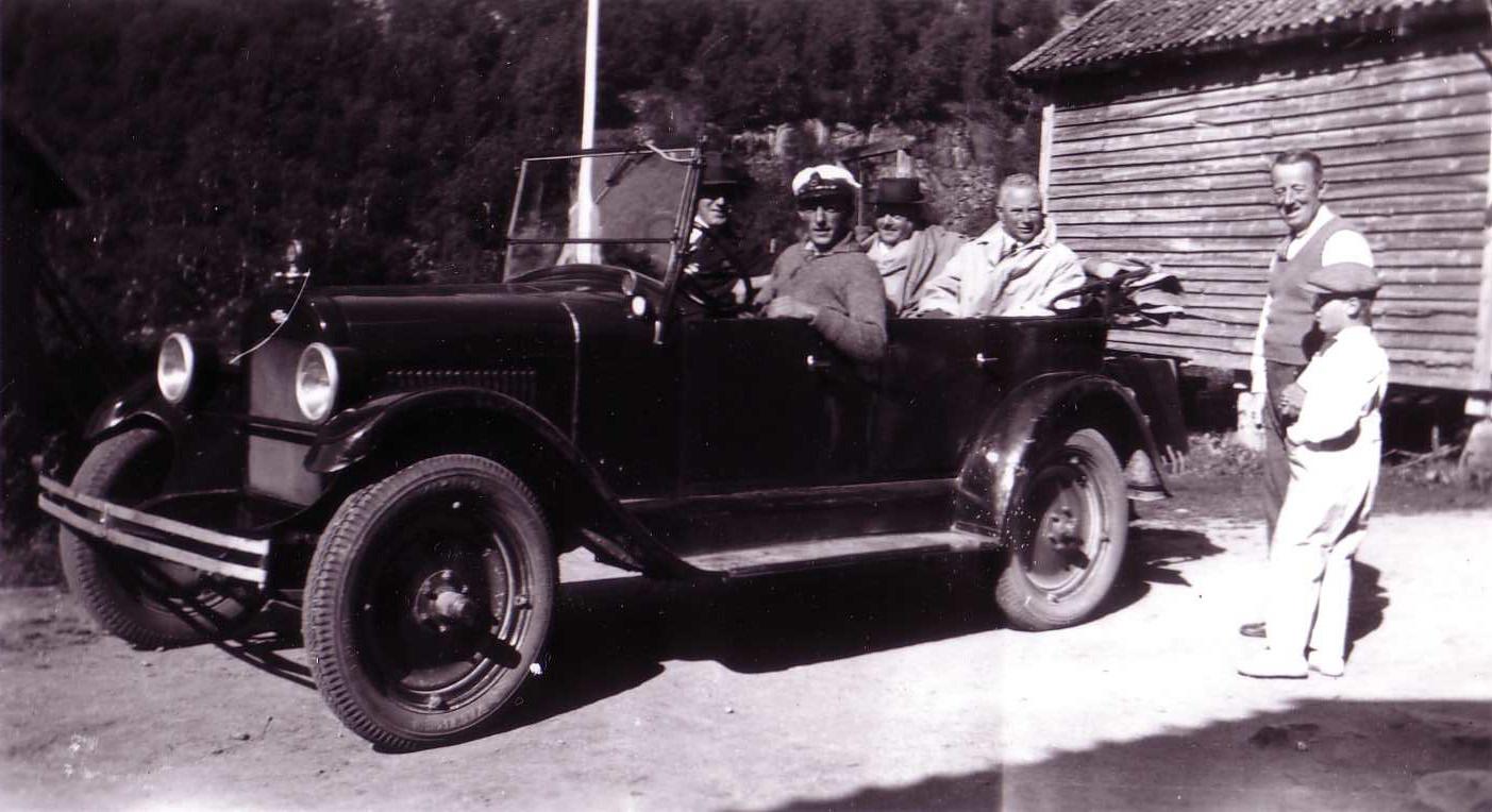 Hardy i bil.jpg