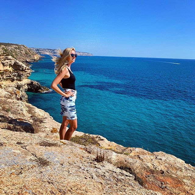 A New Yorka in Mallorca. Another gorgeous music video shoot location with Muller & Co. Next tour stop: Valencia!