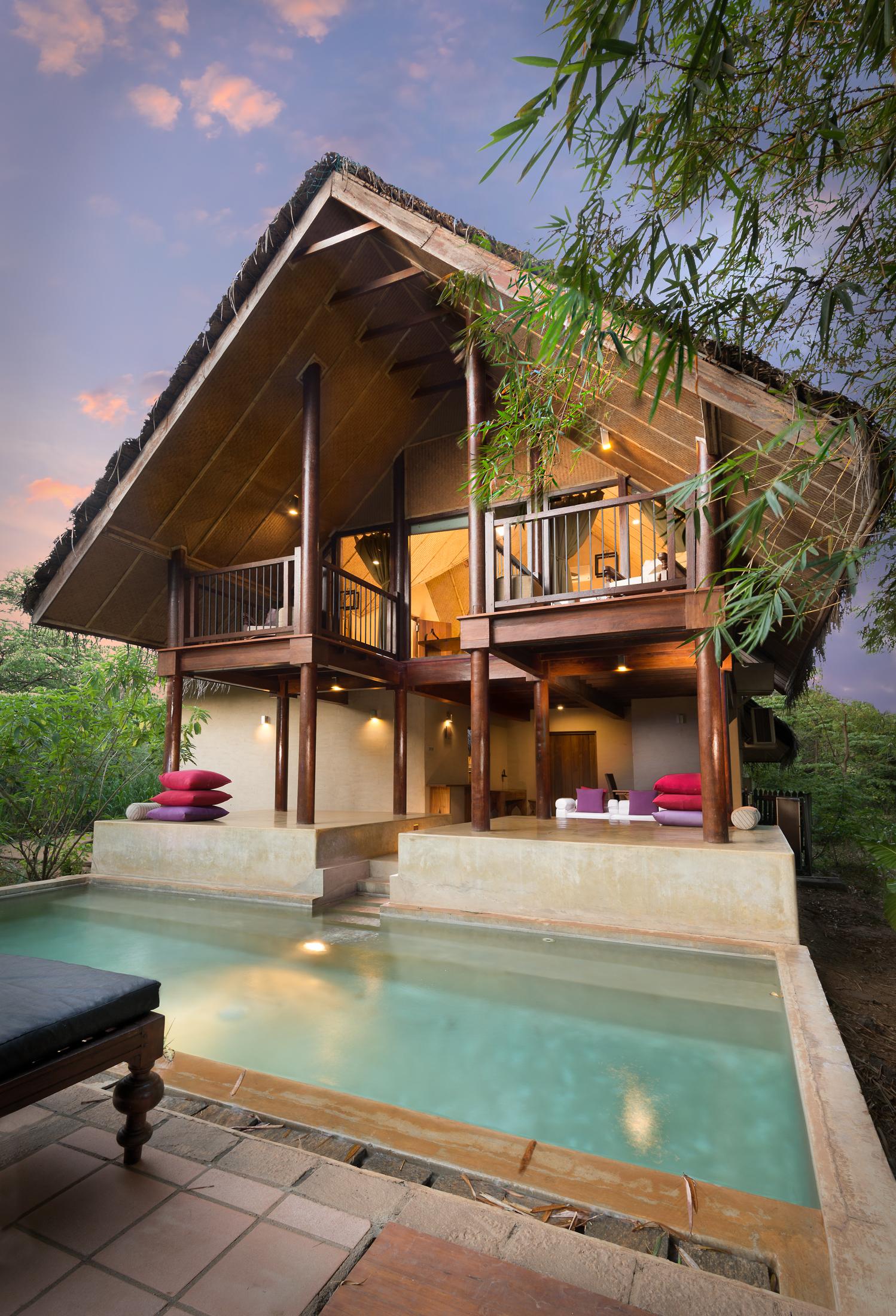 Villa-Uyas2-BrandingFree-MidRes.jpg
