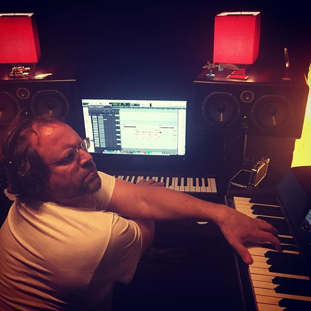Scott making use of both instruments... Why he's playing them at the same time is unknown.  #asthmaticrecordings #jboozer