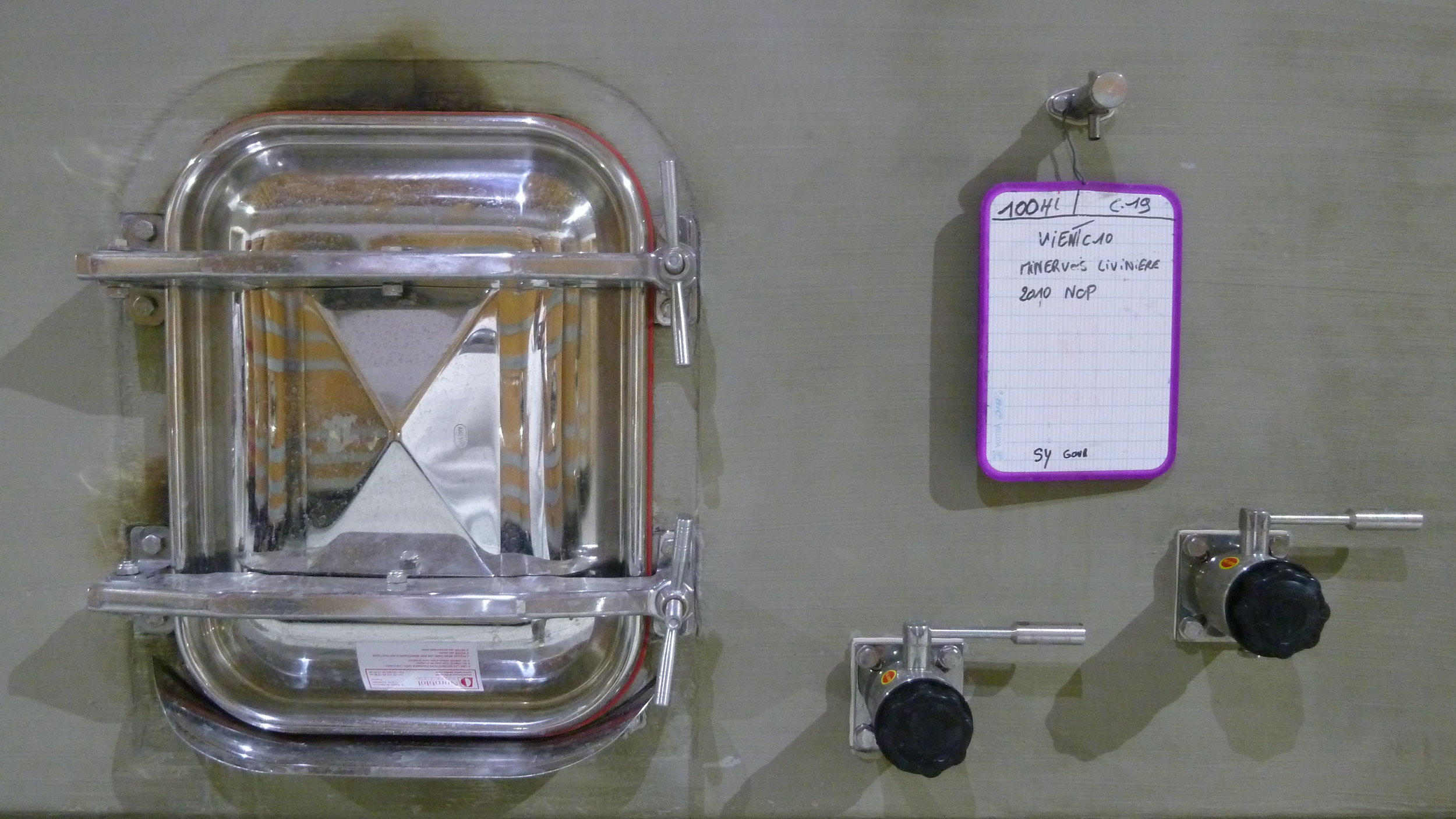 Nomblot custom concrete tank - Jacques Herviou.JPG