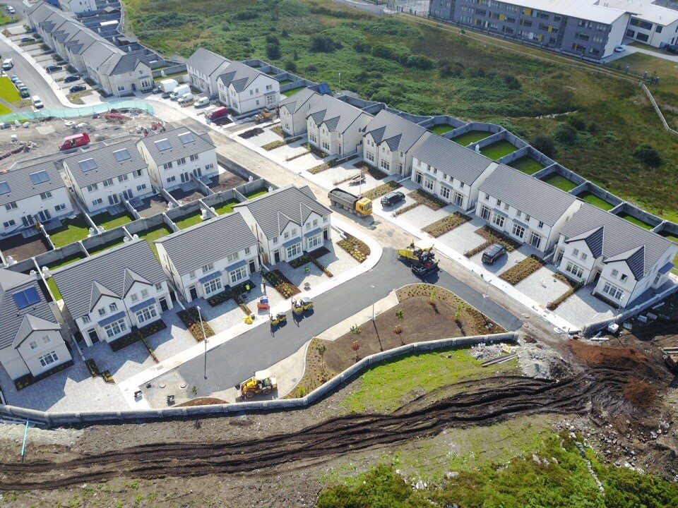 Maoilín, Ballymoneen Road   Maoilín consists primarily of suburban single family house developments. The housing types are arranged to provide balanced streetscapes, addressing a series of shared landscaped areas.