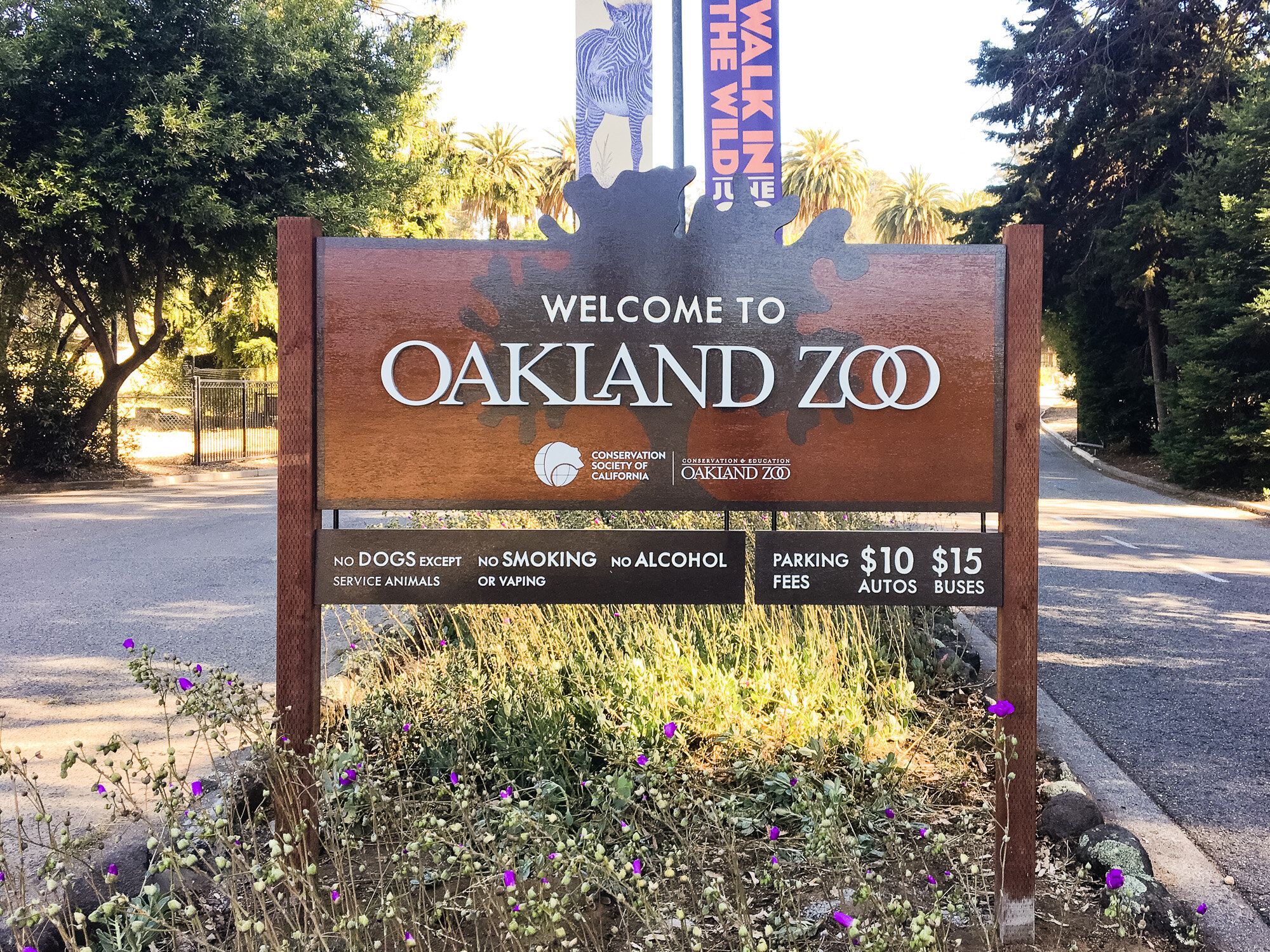 Welcome sign at Oakland Zoo