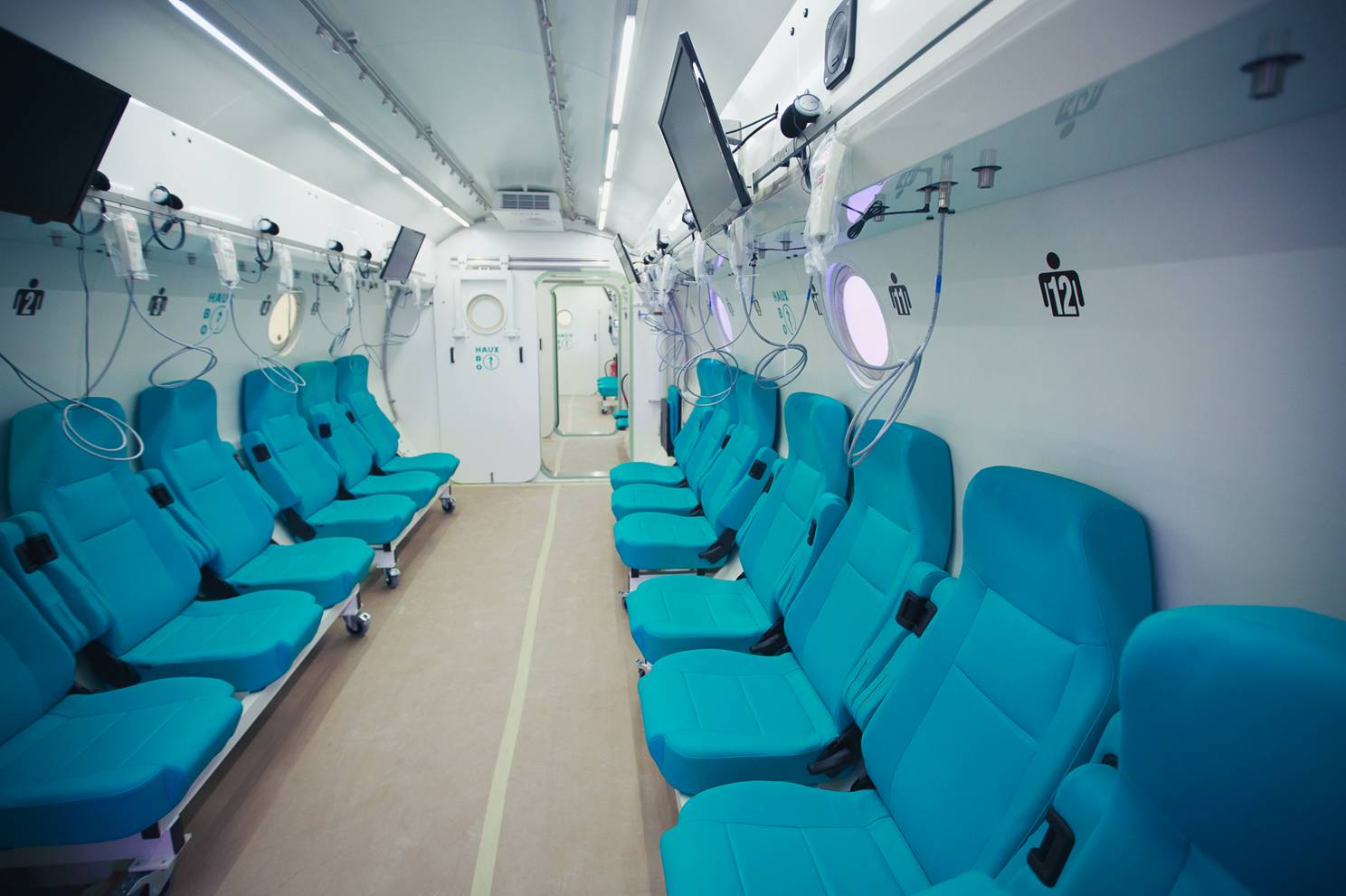 tHE INTERIOR OF A HYPERBARIC CHAMBER. COURTESY OF Sagol Center for Hyperbaric Medicine and Research