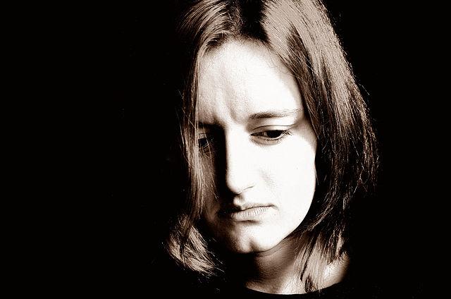 640px-Sad_Woman.jpg