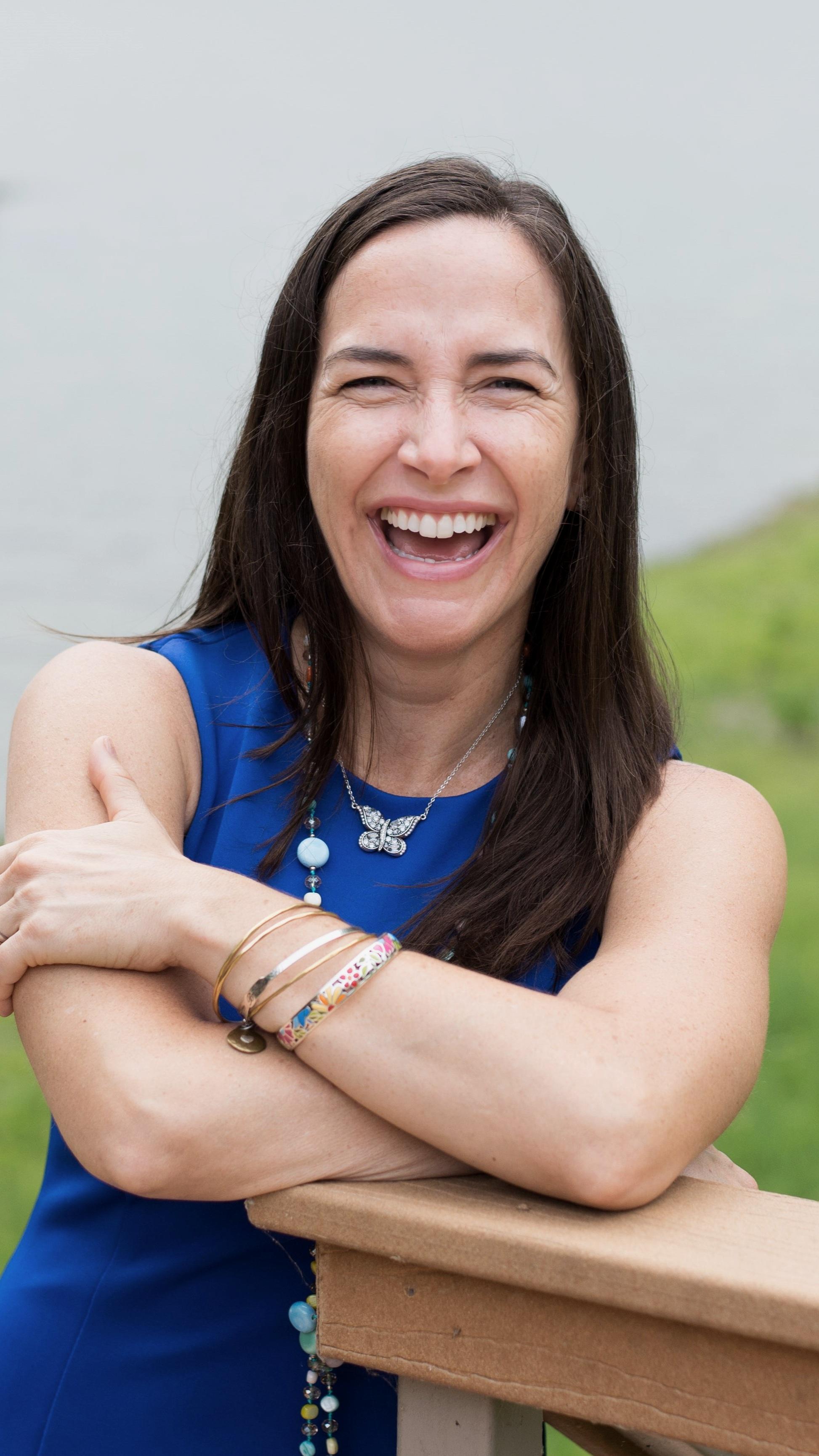 Nicole Vienneau.jpg