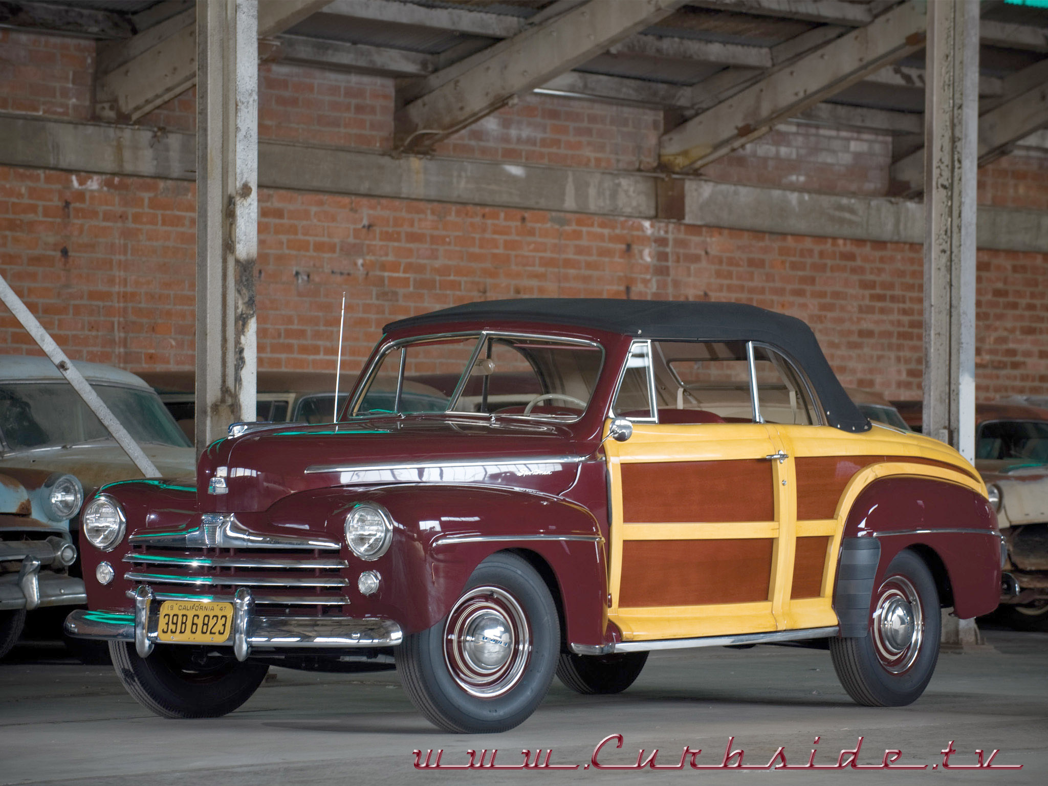 1947 Ford Super Deluxe Sportsman Convertible.png