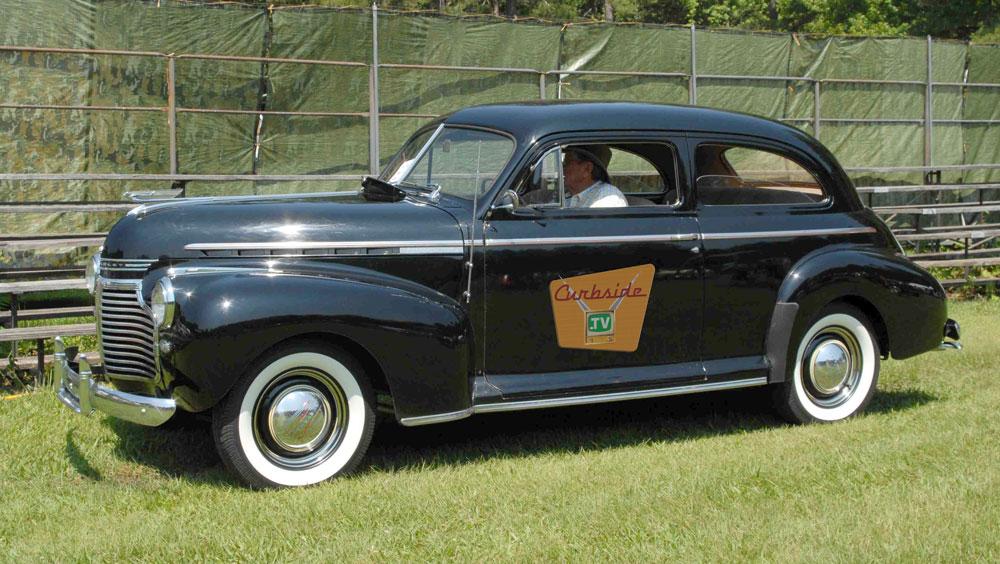 1941-Chevrolet-driving.jpg