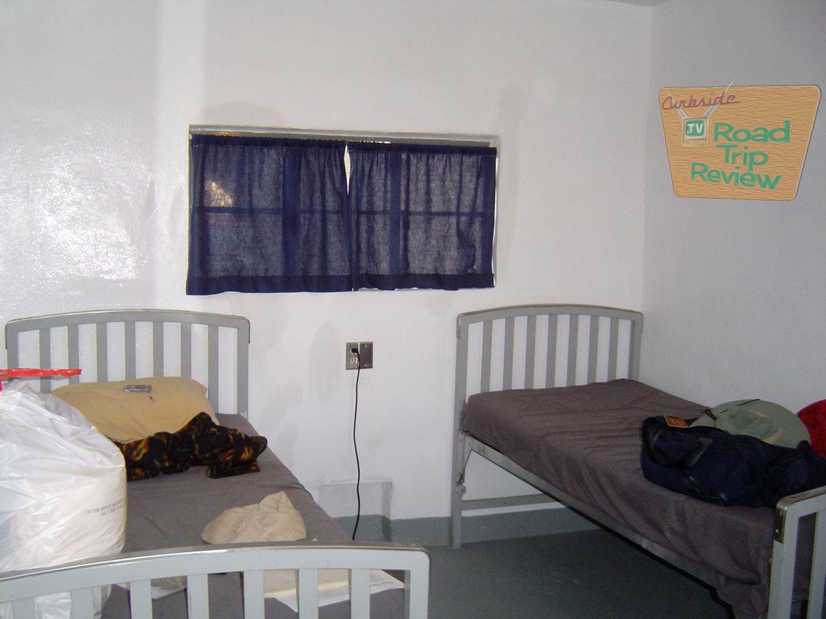 Zzyzx-bunk-room.jpg