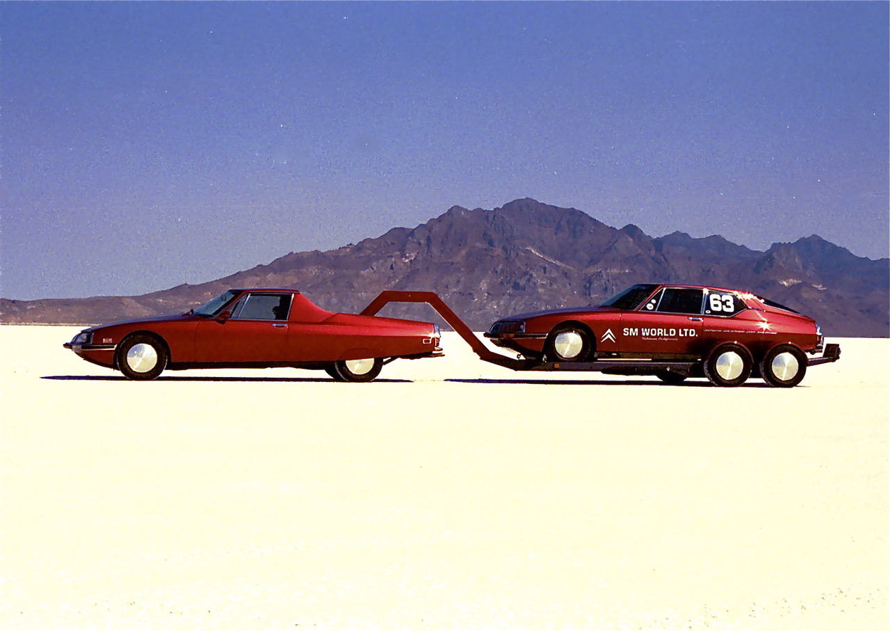 Jerry & Sylvia Hathaway's Citroën SM, the gooseneck trailer and the Bonneville-winning car
