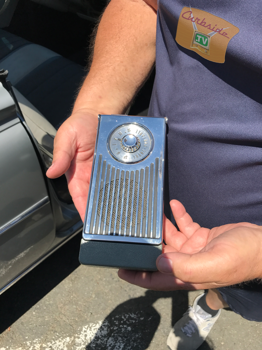 Olsmobile-98-1959-transistor-radio.png