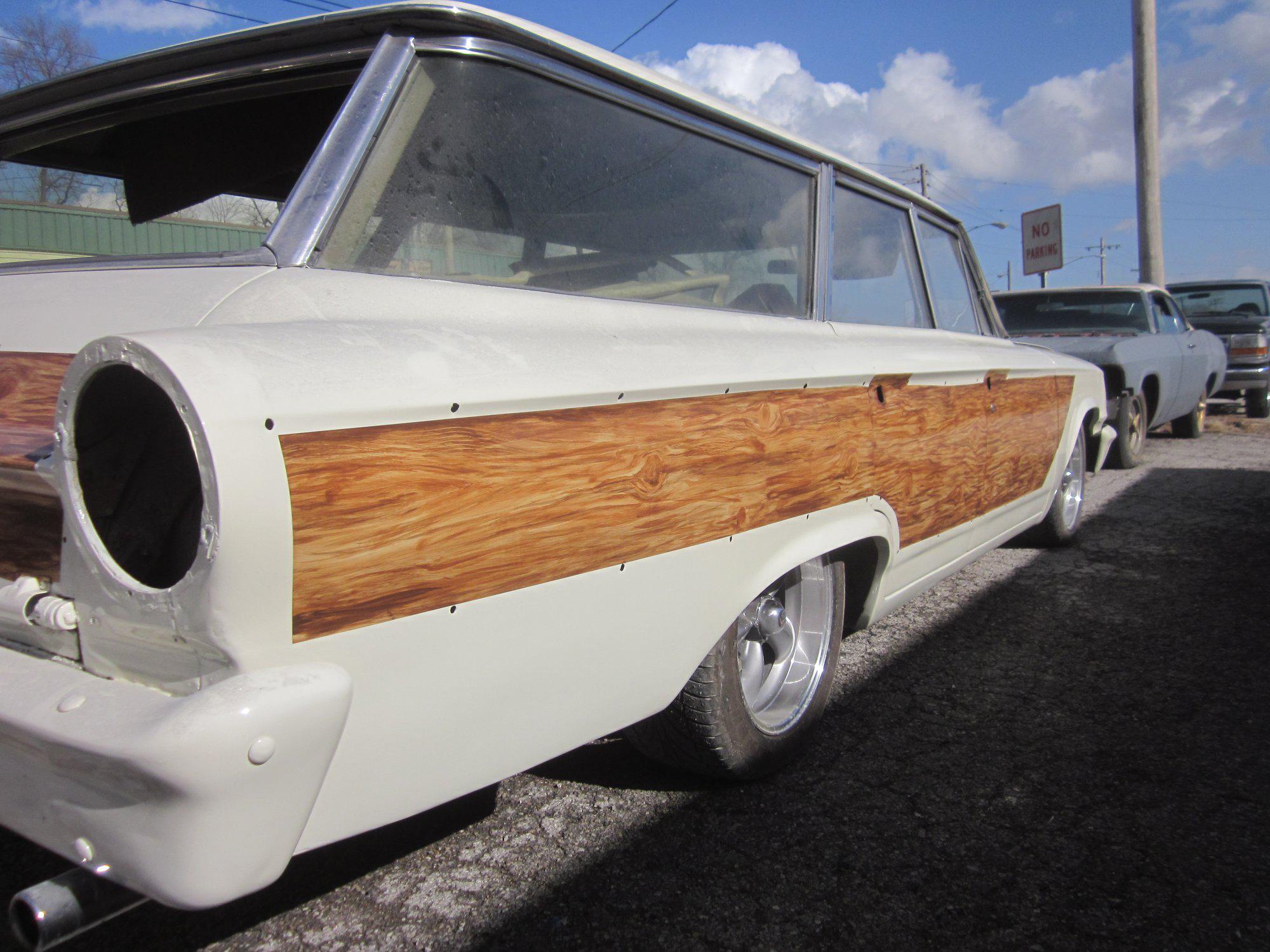 Marvin Cox custom woodgrain paint on a Ford wagon