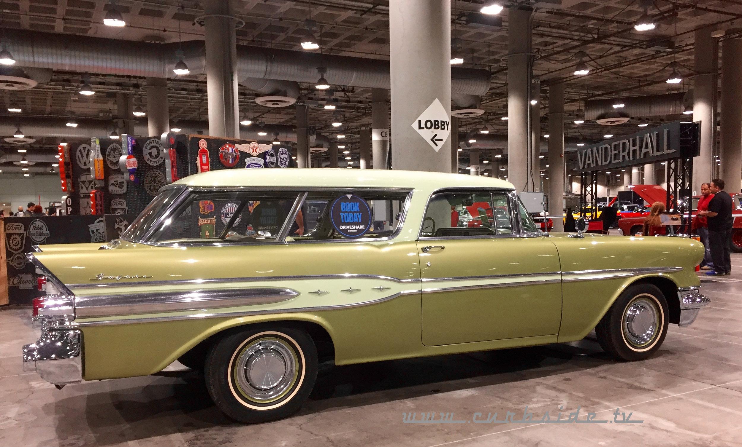 2018 Los Angeles Classic Car Show - Pontiac Safari