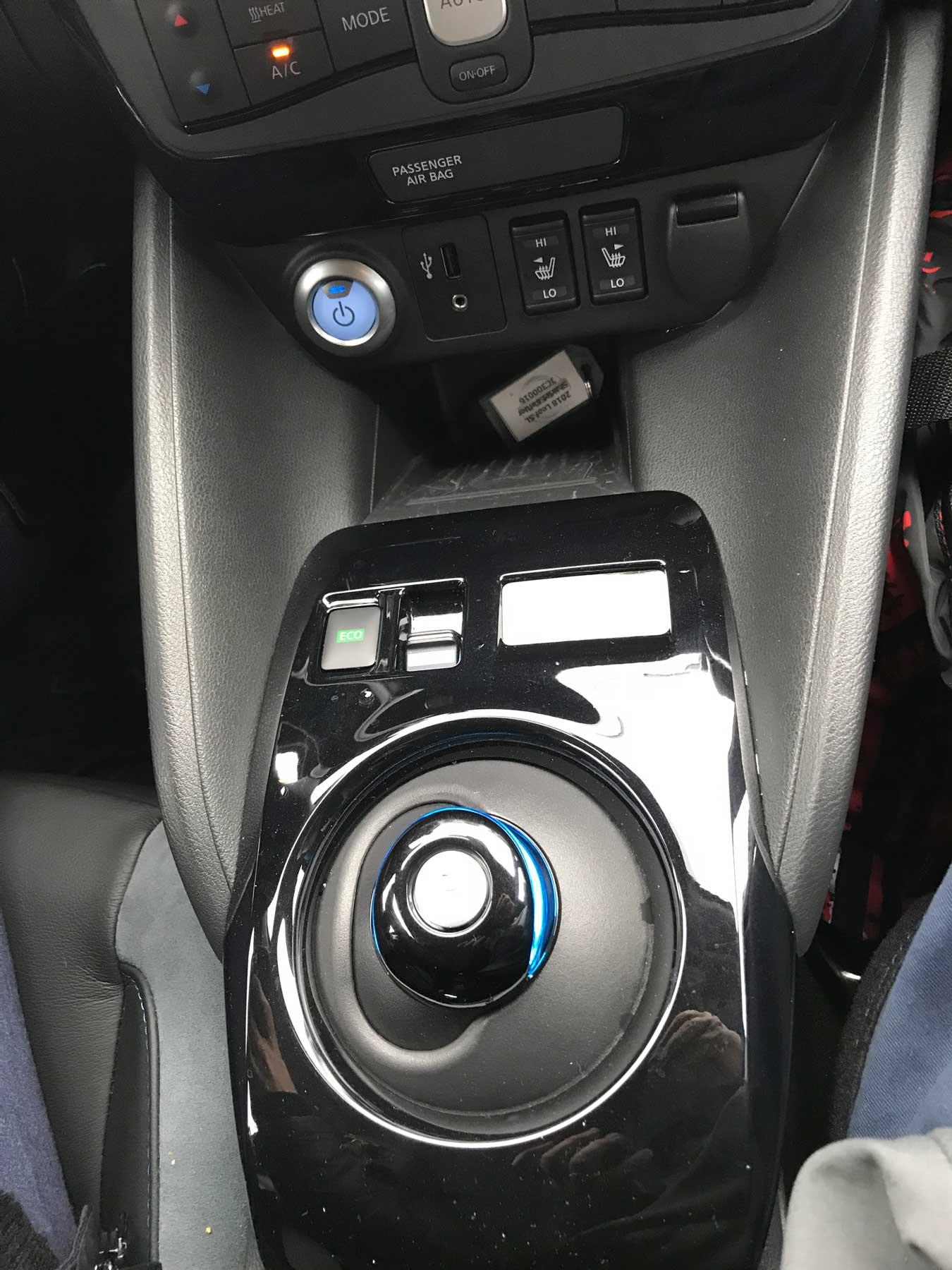 Nissan Leaf controls