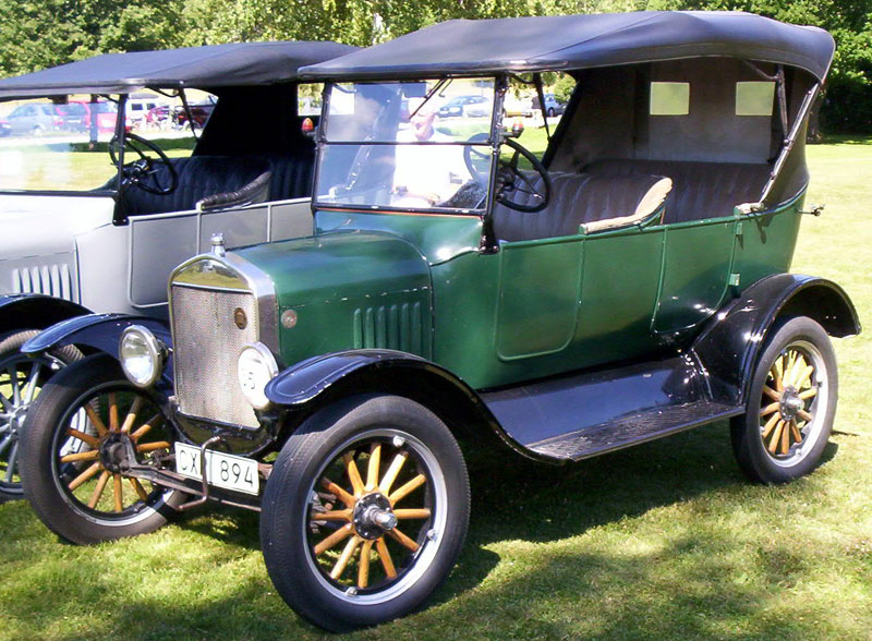 1924_Ford_Model_T_Touring_CX_894.jpg