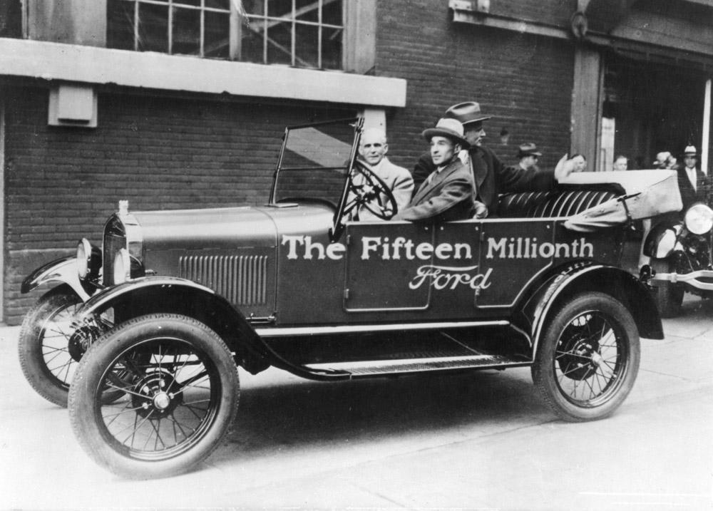 Henry-Ford-driving-15-millionth-Model-T.jpg