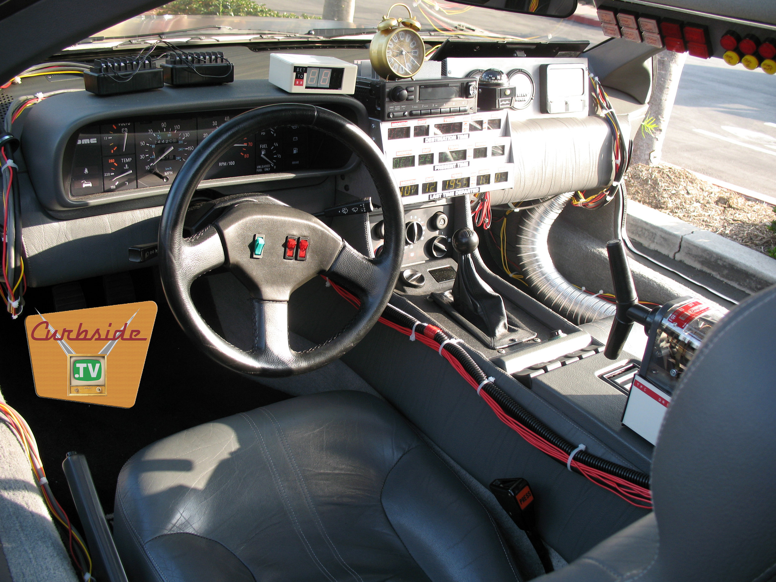 DeLorean DMC-12 time machine