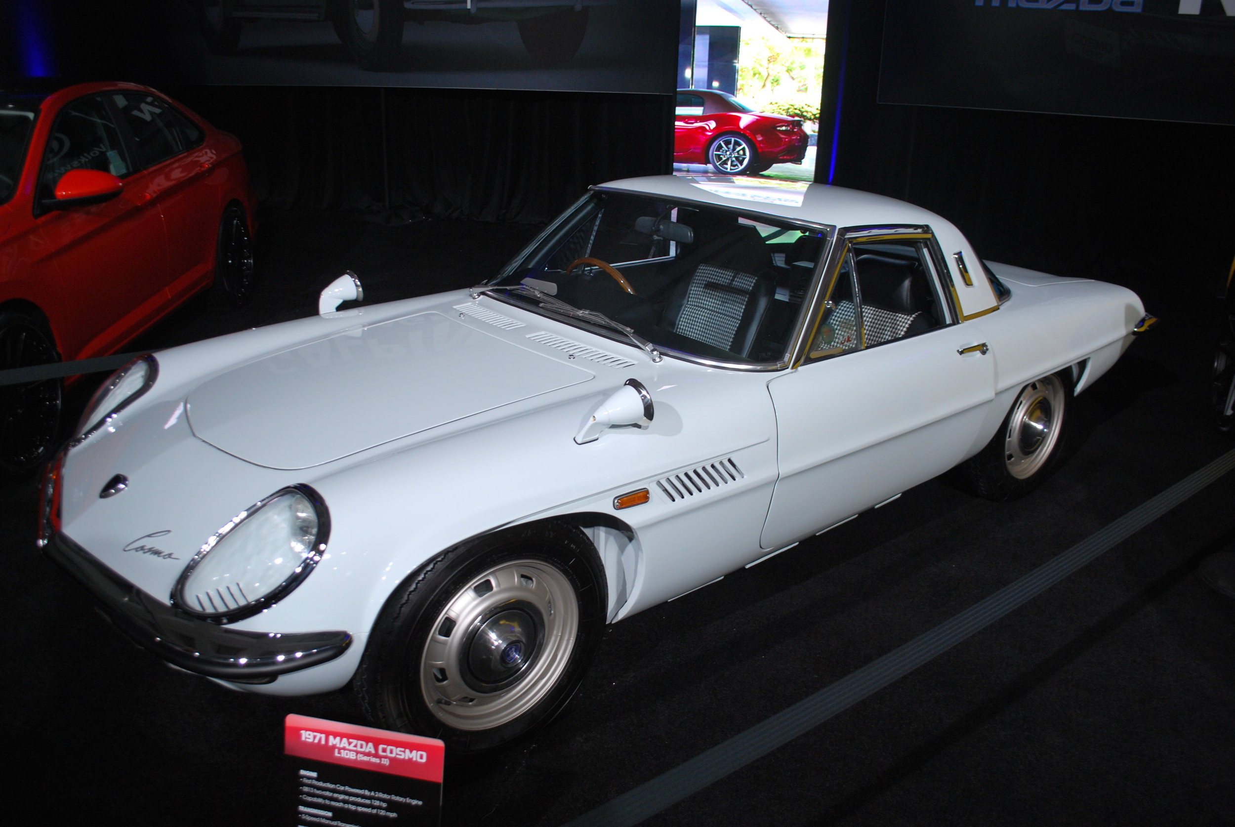 1071 Mazda Cosmo at the 2018 Los Angeles International Auto Show