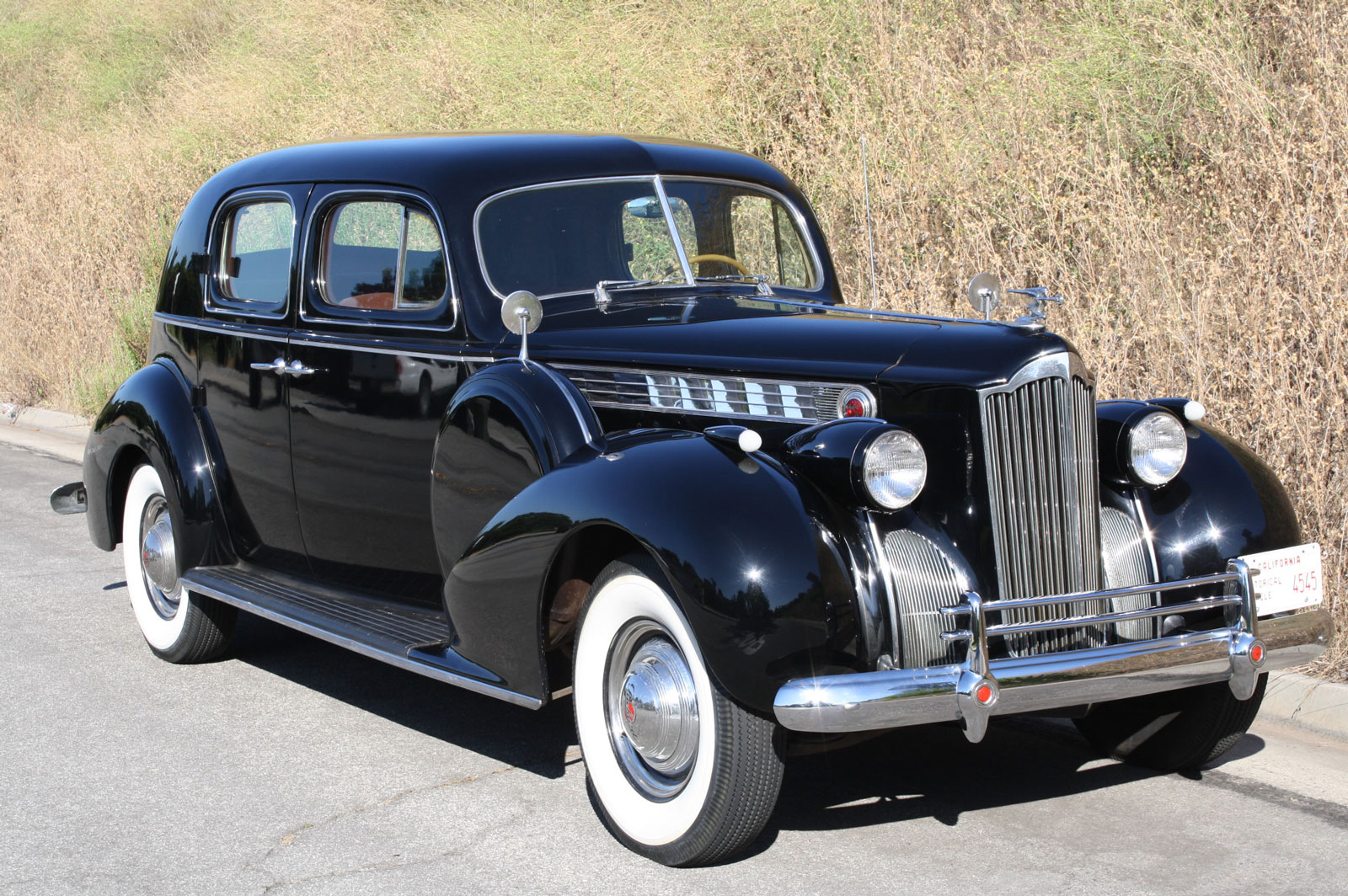 1940-Packard-180-Club.jpg