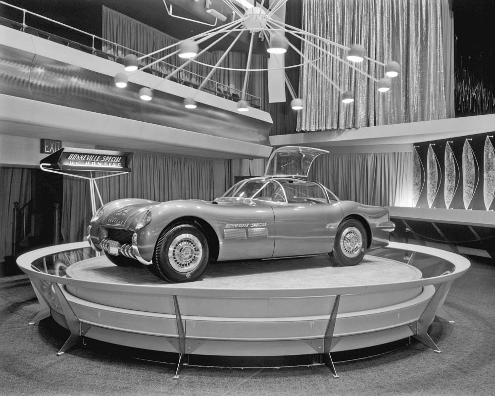 1954-pontiac-bonneville-special-13.jpg