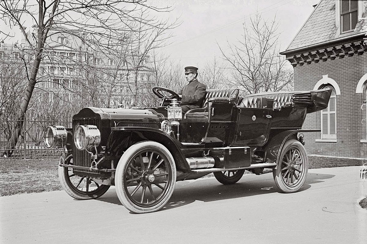 1909 White Model M steam car