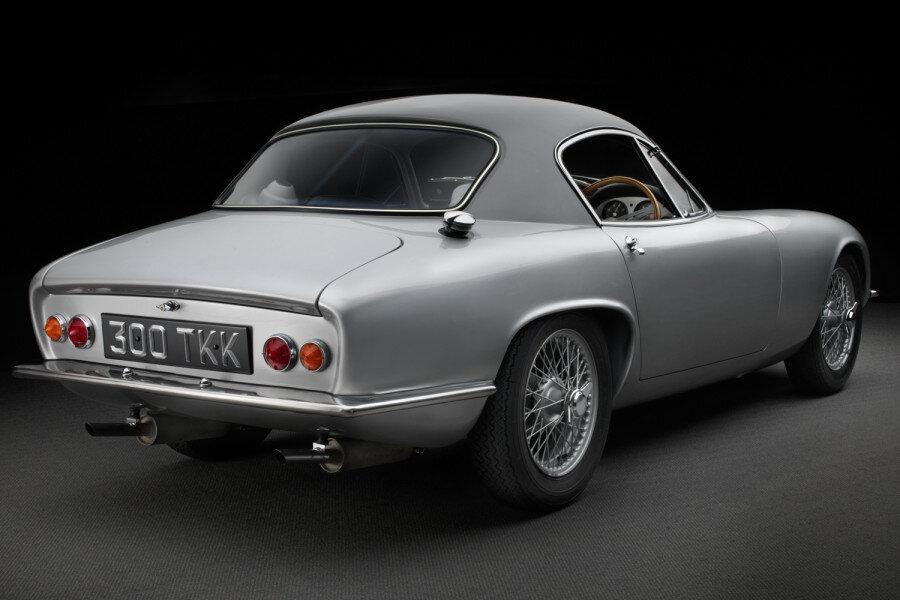 Lotus-Elite-rear-3-4-900x600.jpg