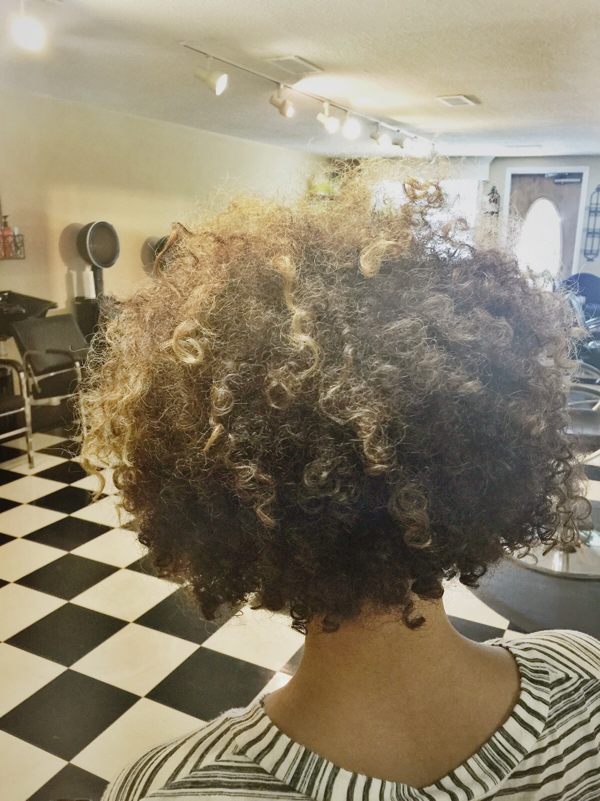 Image of hair prior to using the Devacurl SuperCream Coconut Curl Styler from the Curl Connoisseur Blog