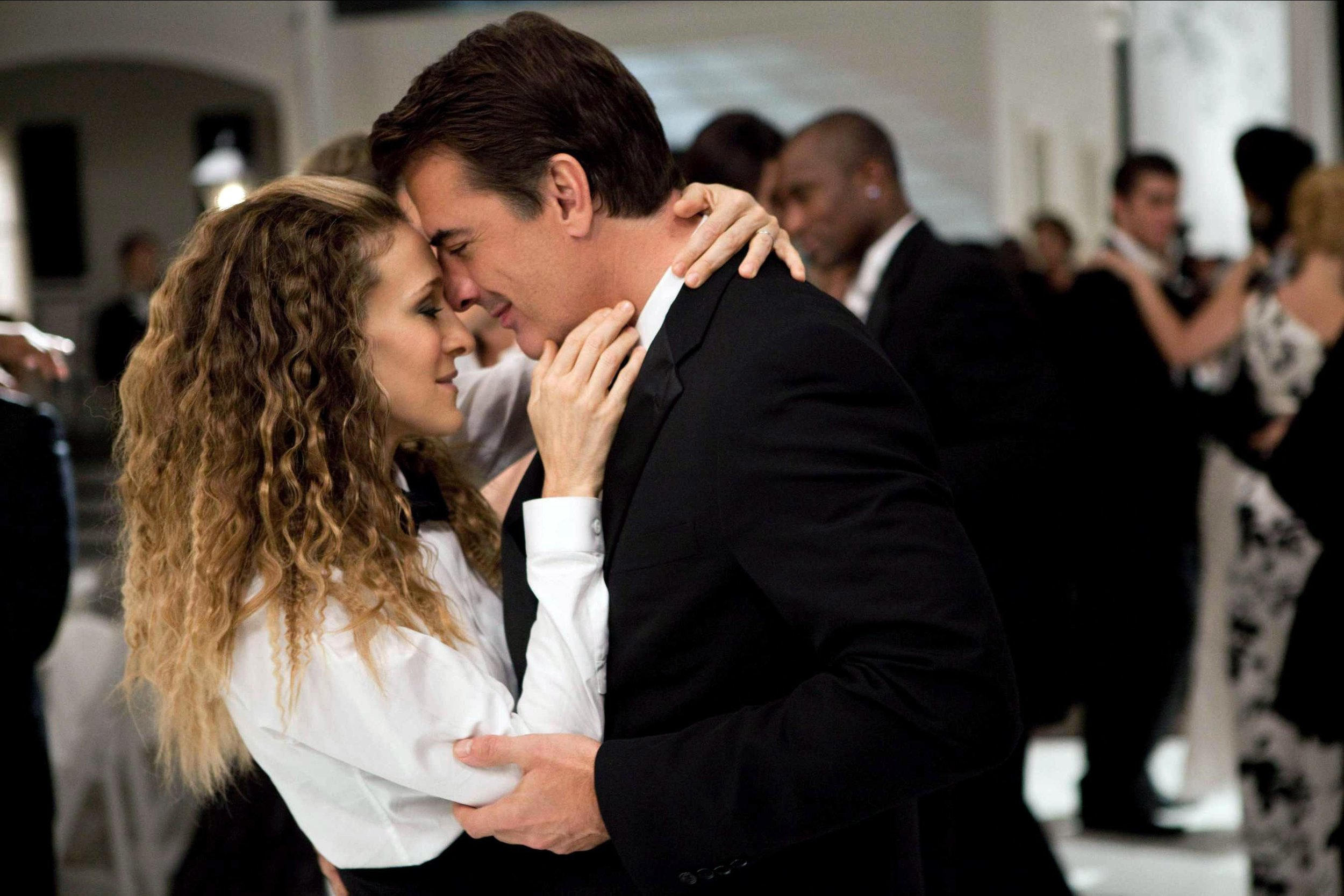 Modern Romance. Carrie & Mr. Big. Image Source Vogue.com
