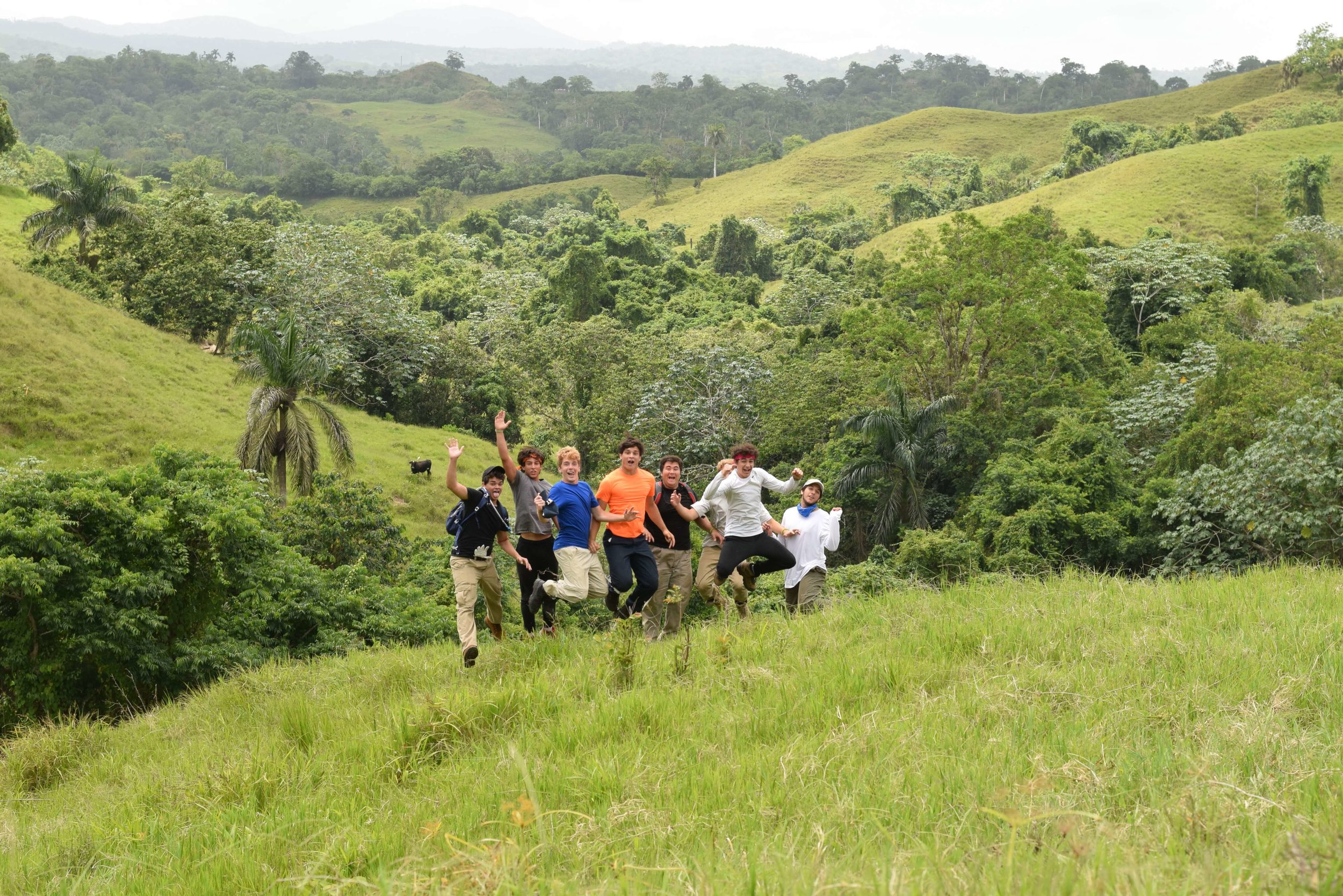 volunteers-in-dominican-republic-jumping-in-excitement.jpg