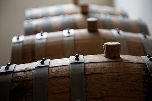 sheringhamdistillery_barrels_02.jpg
