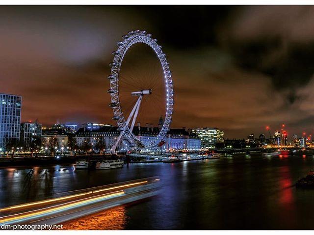 #London #londoneye #streetphotography #lumiere #longexposure #lonexpo #longexpoelite #longexposure_shots #night #nightphotography #longexpohunter #longexpoelite #nikon #d750 #tamron #tamron1530 #nofilter #nofilterneeded #londontown #londontourism #thames #worldshotz #ig_captures #ig_london