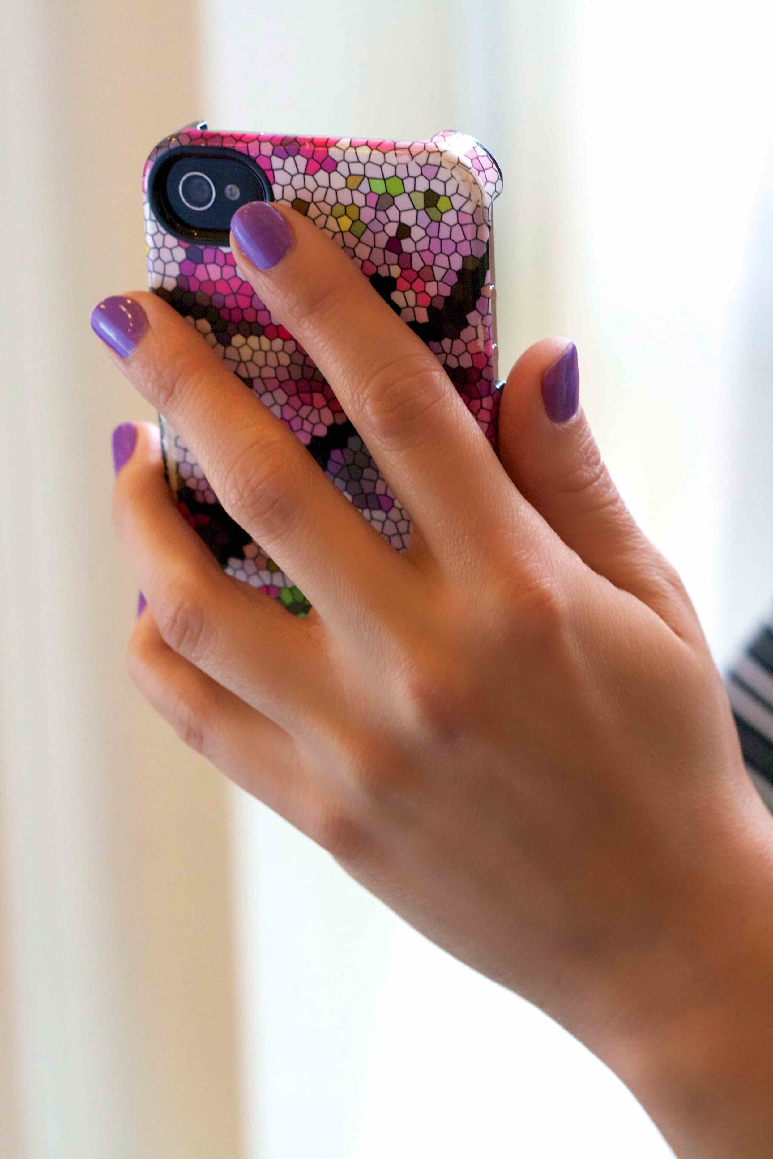 Nilsa Reyna Hand with Phone Resized.jpg