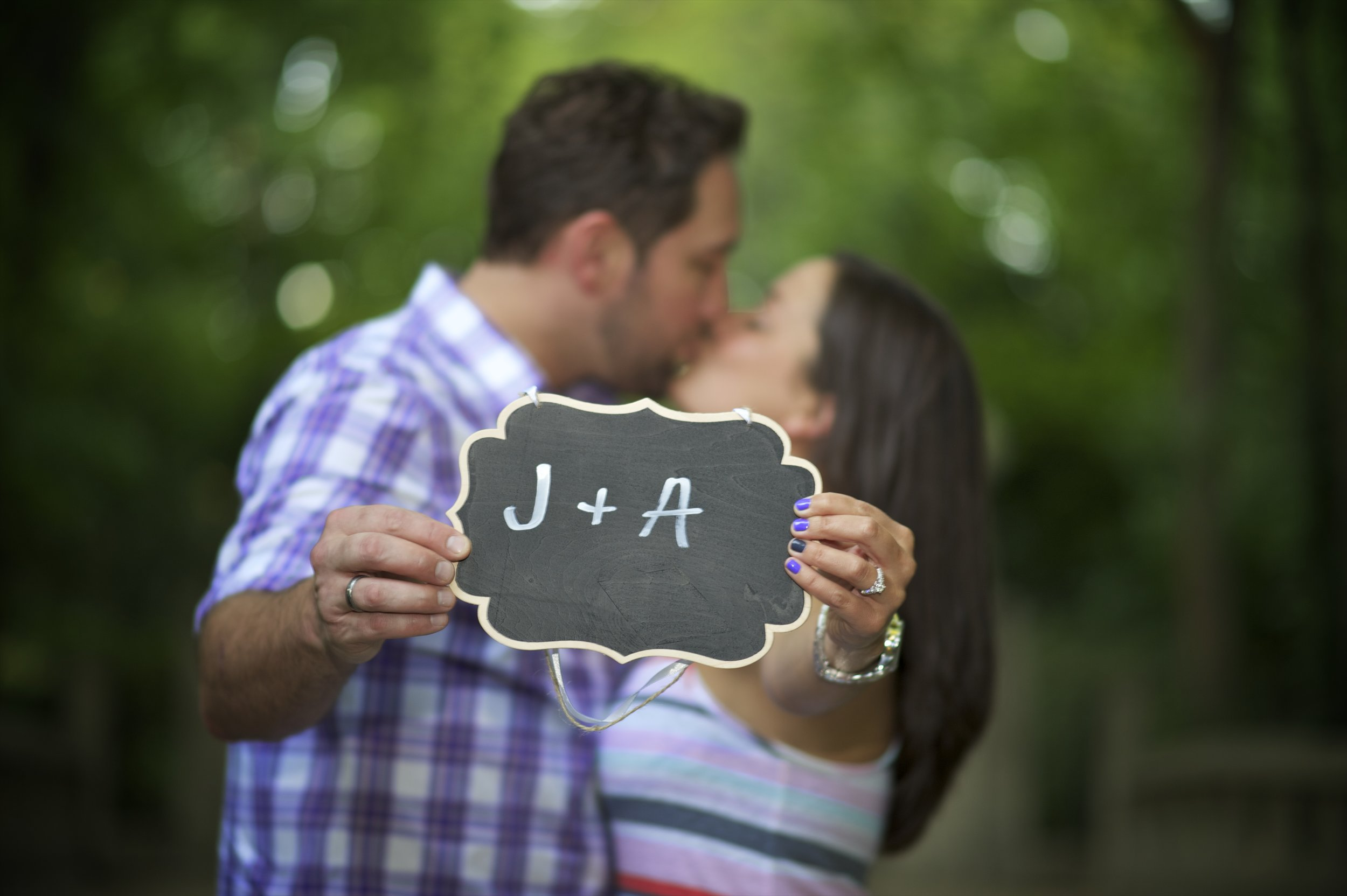 Indianapolis-museum-of-art-engagement-pictures-018.jpg