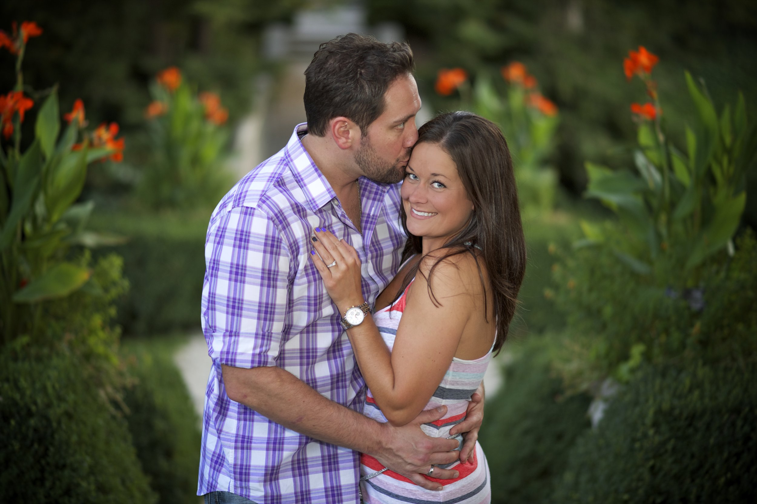 Indianapolis-museum-of-art-engagement-pictures-067.jpg