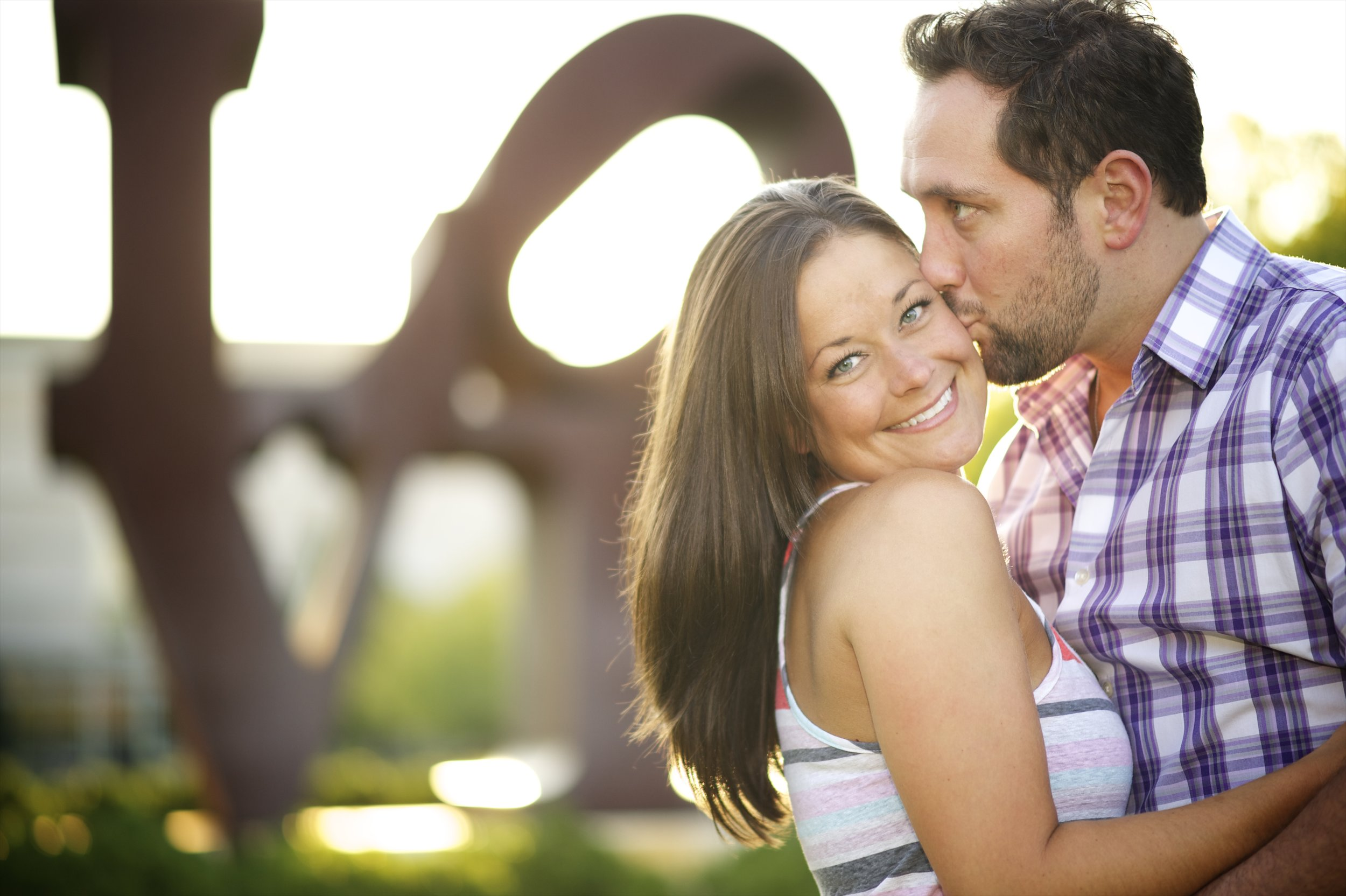 Indianapolis-museum-of-art-engagement-pictures-009.jpg