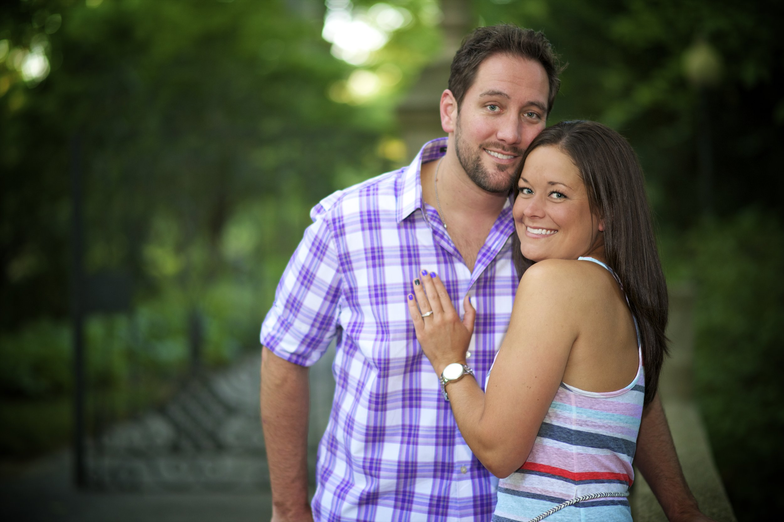 Indianapolis-museum-of-art-engagement-pictures-034.jpg