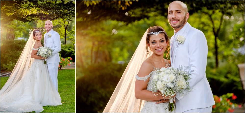 wedding-pictures-at-Avon-gardens_0013.jpg