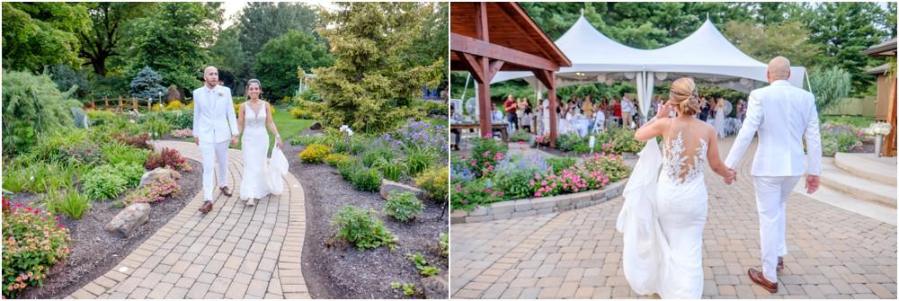 wedding-pictures-at-Avon-gardens_0017.jpg