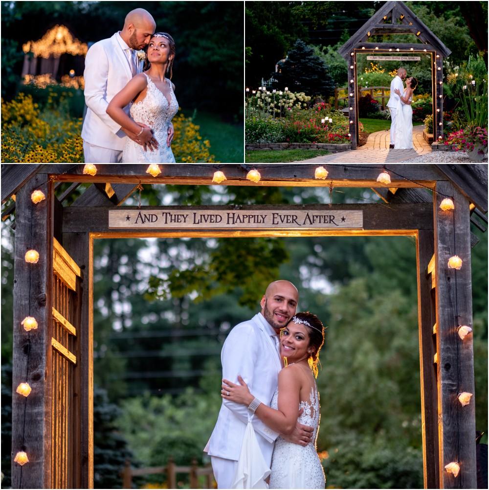wedding-pictures-at-Avon-gardens_0020.jpg