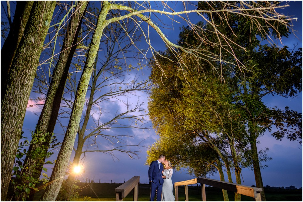 wedding-pictures-at-JLH-Wedding-Barn_0023.jpg