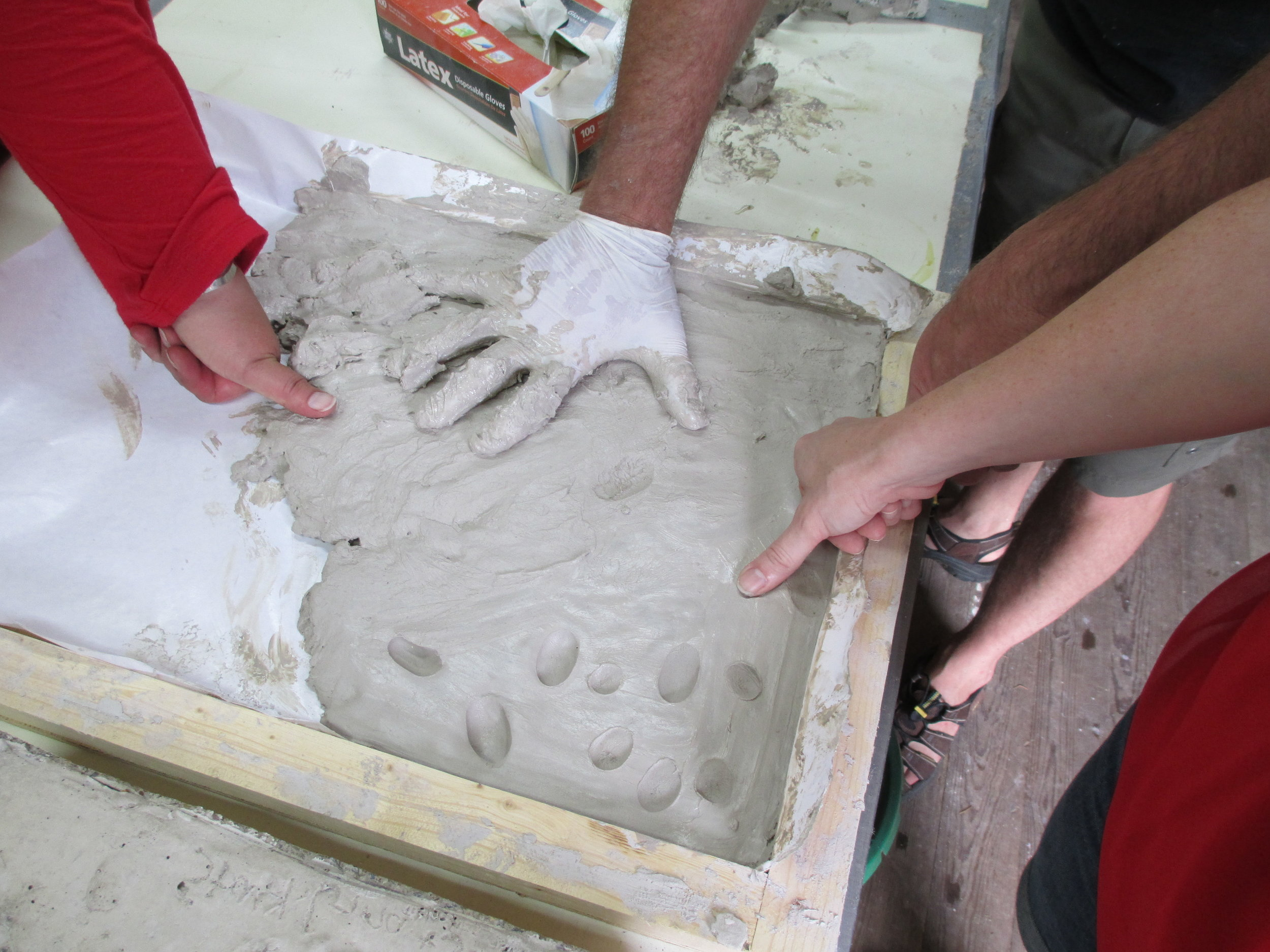 05a_hands in clay.JPG