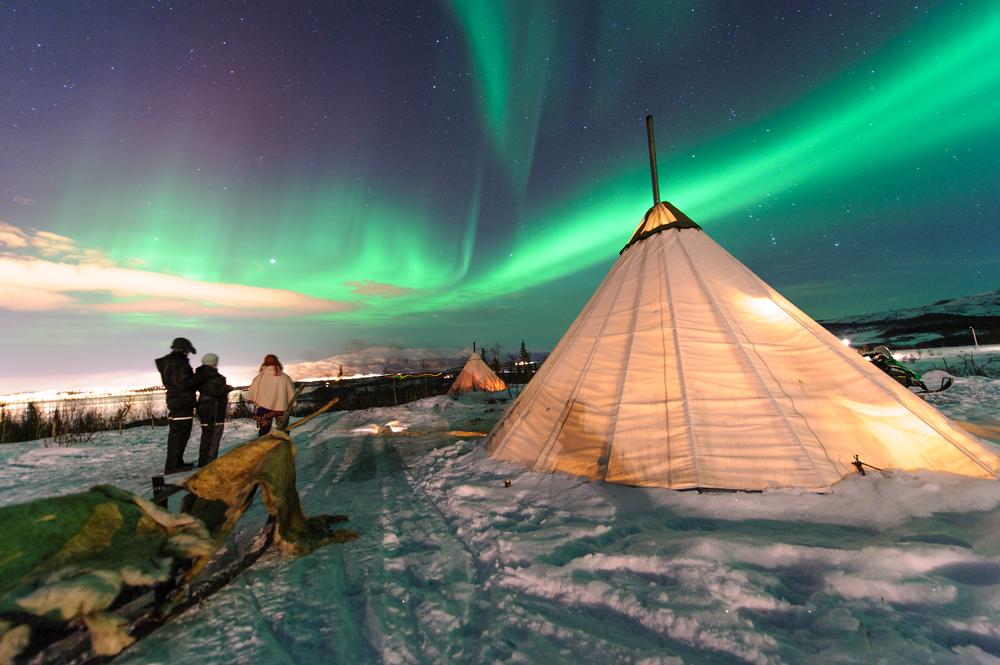 northernlightstipi.jpg