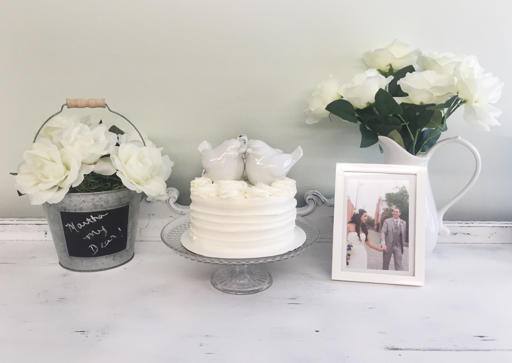 Mini wedding cake by Tammy Hodge with our wedding toppers!