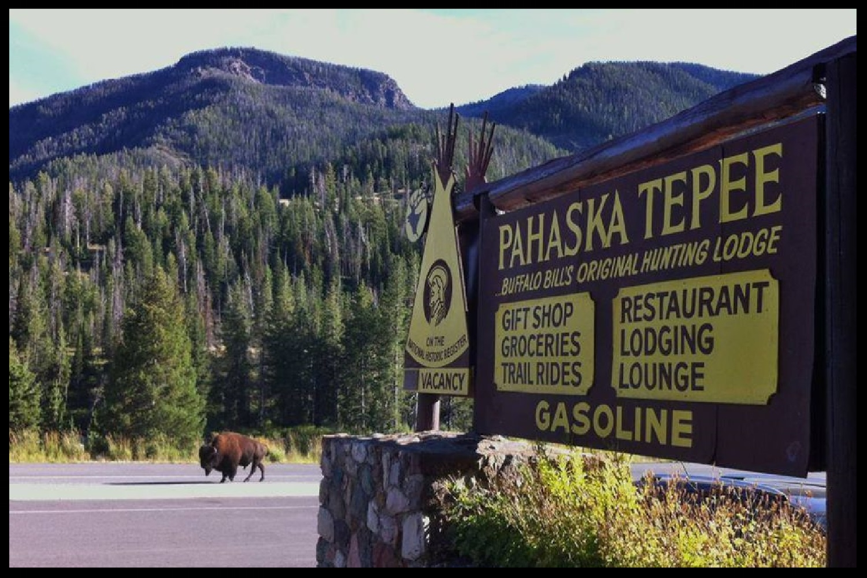 Pahaska Tepee Resort, Buffalo Bill's Original Lodge (SNF, WY)