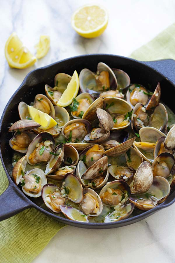 Clams Steamed with Lemon, Garlic and Olives