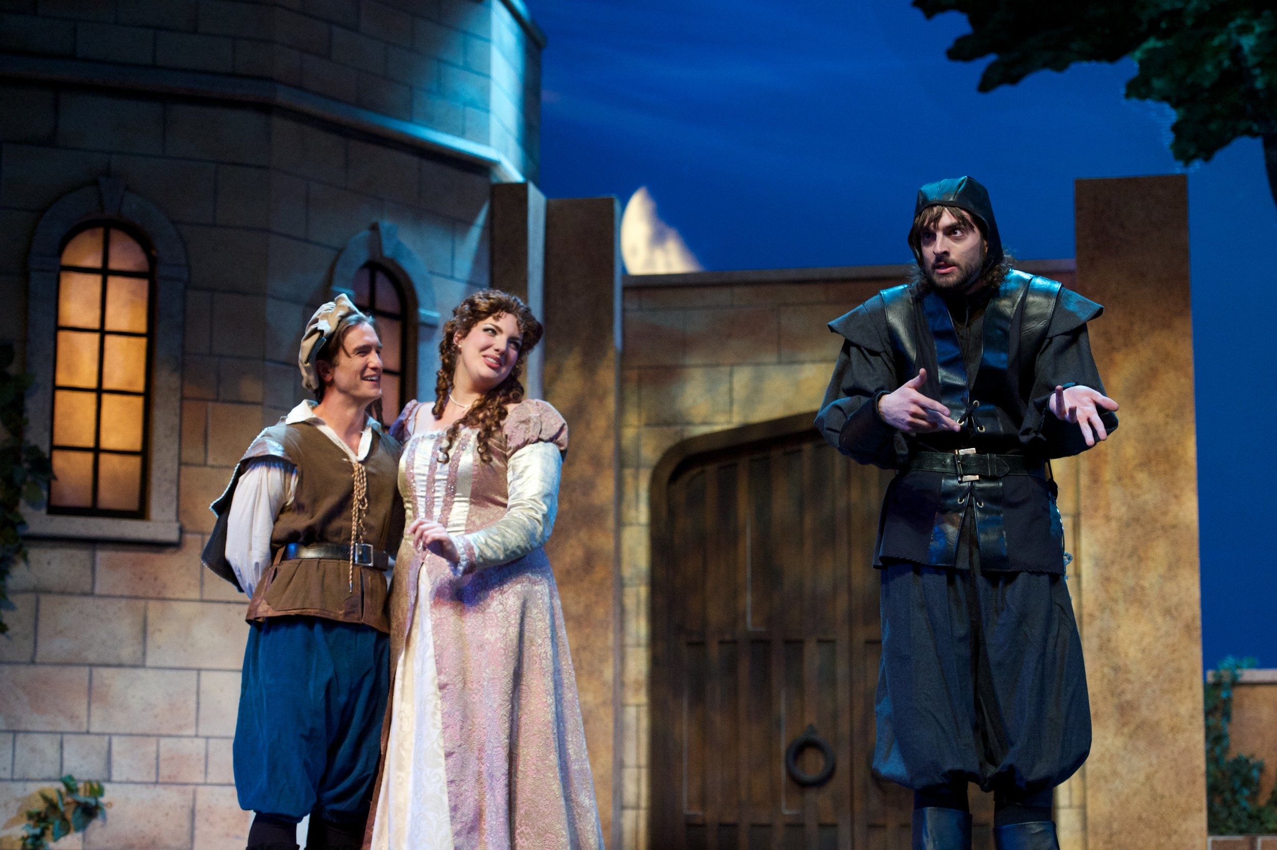 The Yeomen of the Guard, with Stephen Faulk and Oliva Woolley (photo by Matt Dilyard)