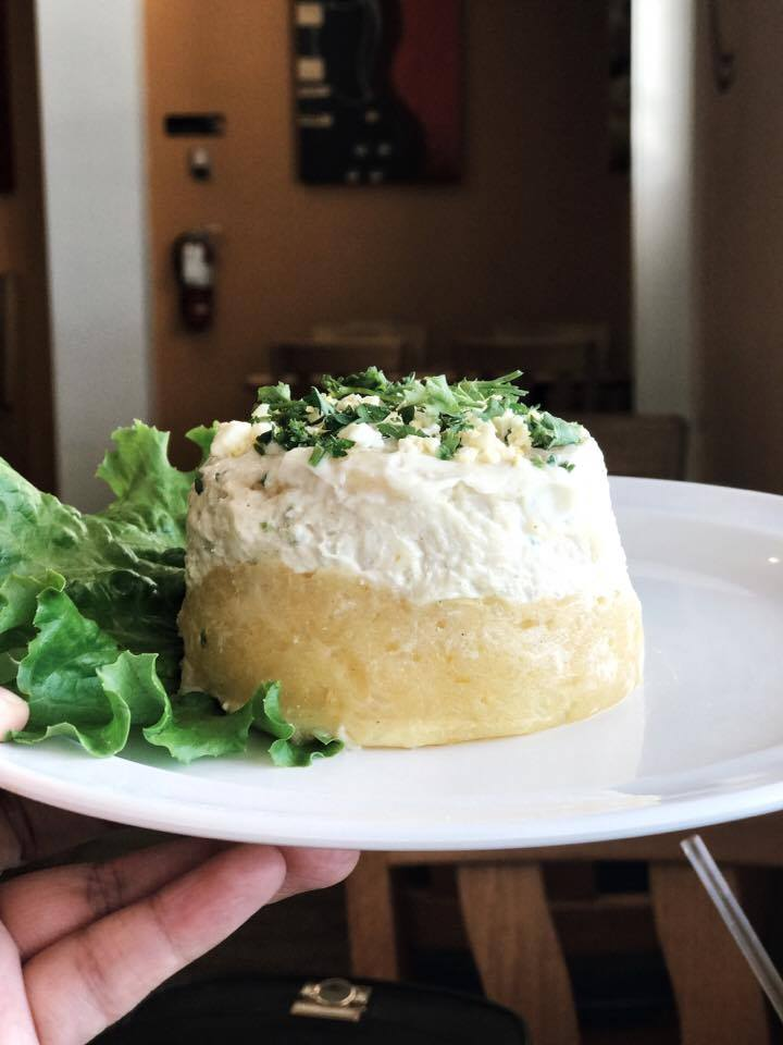 Causa Limena | Potato salad filled with chicken salad | Ensalada de papa rellenada con ensalada de pollo