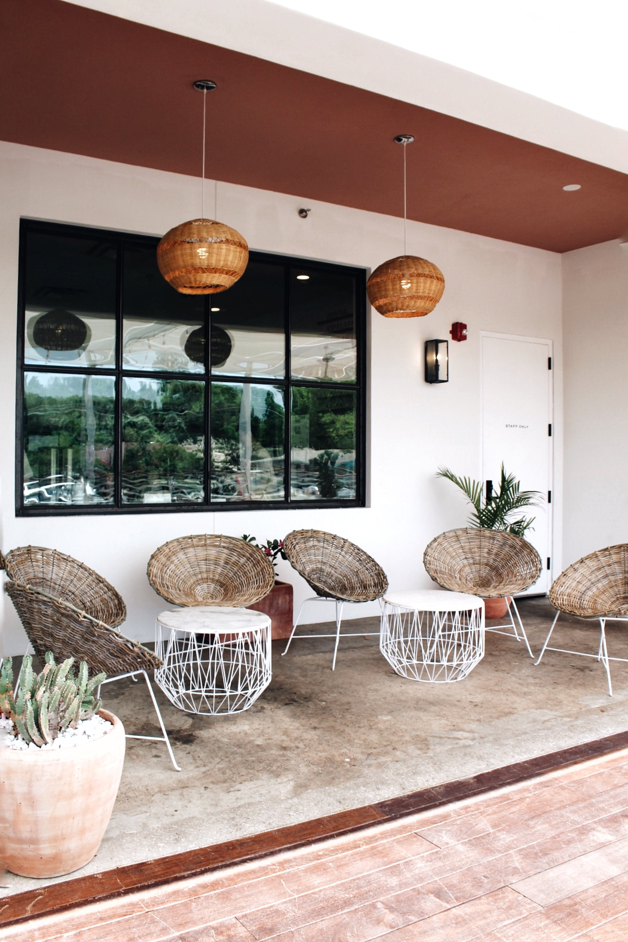 Most Instagrammable Restaurants in Austin - Hanks - www.tresgigi.com