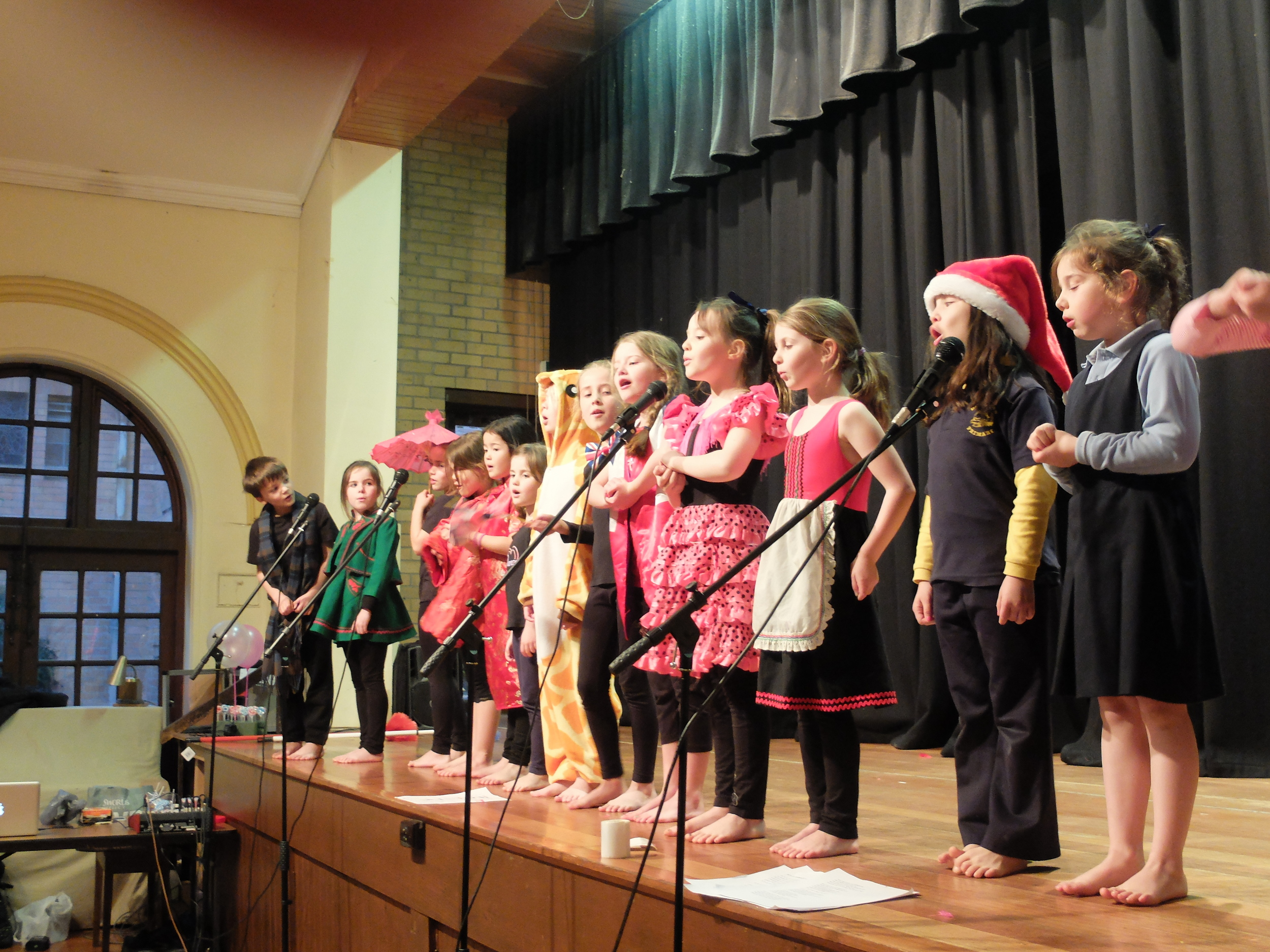 kids performing in kew